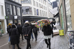 RAINY WEATHER. Copenhagen / Denmark_ 09th. November 2016 _  Shoppers and travelers under umbreallas danish weather rainy day in Copenhagen , Denmark      Photo Stock Photos