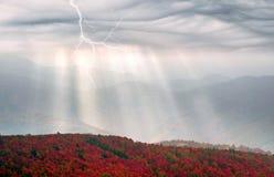 Raios de Sun após a tempestade Imagens de Stock Royalty Free