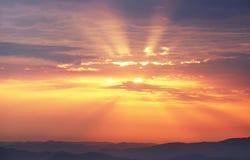 Raios do alvorecer do nascer do sol Fotografia de Stock Royalty Free