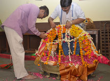 Raipur, Ahmedabad die 5 April, 2012 - GOD verfraait Stock Afbeeldingen