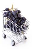 Raisins dans le caddie Photos libres de droits