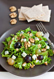 Raisins et salade de fromage Photographie stock libre de droits