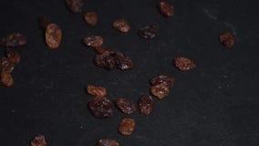raisins ingredienti per vino caldo, vin brulé video circolare Lento-Mo video d archivio