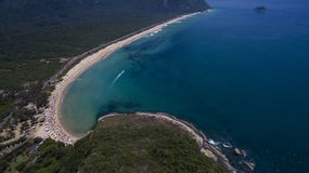 Raj plaża, piękna plaża, cudowne plaże dookoła świata, Grumari plaża, Rio De Janeiro, Brazylia, Ameryka Południowa Brazylia zdjęcia stock