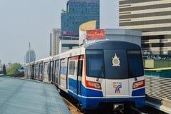Rajadamri in Bangkok, Thailand: 29 januari, 2017 de Metro post BTS Stock Foto's