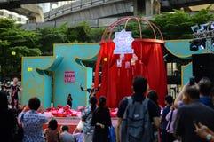 Rajadamri w Bangkok, Tajlandia: Styczeń 29, 2017 Chiński nowy rok, Pokazuje od Chiny Zdjęcie Stock
