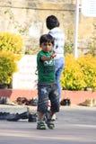 Rajastan男孩在Jaisalmer市 印度 2012年, 1月,第4 免版税库存照片