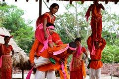 Rajasthan folkdansaktörer Arkivfoto