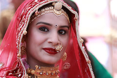 Rajasthani妇女参加女士 Moomal比赛 库存图片