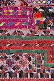 Rajasthani bordou a matéria têxtil Fotografia de Stock