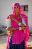 Rajasthani kobieta z sari i ornamentami Obraz Royalty Free