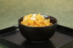Rajasthani Moong Dal Halwa, sobremesa indiana imagens de stock royalty free