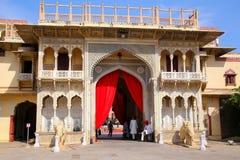 Rajendra Pol nel palazzo della città di Jaipur, Ragiastan, India Immagini Stock