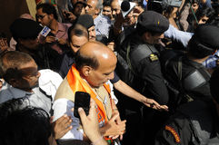 Rajnath Singh fra le sue guardie giurate Immagine Stock