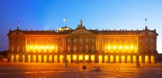 Rajoypaleis (Palacio DE Rajoy) in nacht Santiago de Composte Royalty-vrije Stock Afbeeldingen