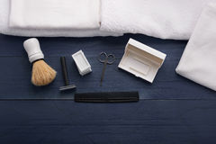 Raka hjälpmedel för män i skönhetsalong Royaltyfri Bild