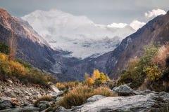 Rakaposhi berg Nagar dal, baltistan Gilgit, Pakistan royaltyfri foto
