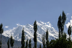 Rakaposhi Karakoram bergskedja i Pakistan Arkivfoton