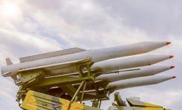 Raket som är klara att lansera militärt hot royaltyfria foton