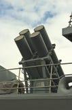 Raketenwerfer auf Marineschiff Stockfotos