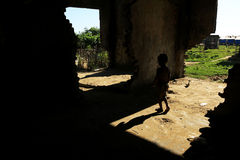 RAKHINE STAAT, MYANMAR - NOVEMBER 05: Honderden Moslimrohingya lijden aan strenge ondervoeding in overladen kampen in Myanm Royalty-vrije Stock Fotografie