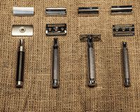 4 rakknivar i retro stil royaltyfri bild