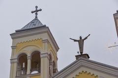 RAKOVSKI BUŁGARIA, GRUDZIEŃ, - 31 2016: Kościół Rzymsko-Katolicki Najwięcej świętego serca Jezus w miasteczku Rakovski obraz royalty free