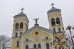 RAKOVSKI BUŁGARIA, GRUDZIEŃ, - 31 2016: Kościół Rzymsko-Katolicki Najwięcej świętego serca Jezus w miasteczku Rakovski zdjęcia royalty free