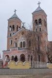 RAKOVSKI, BULGARIE - 31 DÉCEMBRE 2016 : L'église de Roman Catholic de St Michael Arkhangel dans la ville de Rakovski photo stock