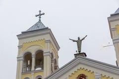 RAKOVSKI, BULGARIE - 31 DÉCEMBRE 2016 : L'église de Roman Catholic la plupart de coeur saint de Jésus dans la ville de Rakovski Photographie stock libre de droits
