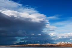 Rakshas Tal Lake (Tib. Langa Tso) i västra Tibet, 4515 M. Arkivbilder