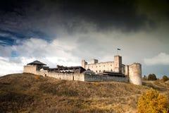 Rakvere mistyczny średniowieczny kasztel w jesieni fotografia royalty free