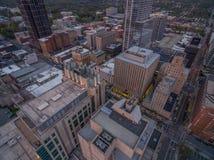 Raleigh de stad in bij schemer Royalty-vrije Stock Afbeeldingen