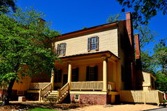 Raleigh, OR : Front Mordecai Plantation House du sud Photos stock