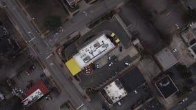 Raleigh NC flyg- video raksträcka ner på tak lager videofilmer