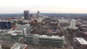 Raleigh NC flyg- videopp i stadens centrum gränsmärken stock video