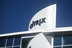 RALEIGH, NC/USA - 9-01-2015 : Bâtiment de Citrix dans Raleigh du centre, Photos libres de droits