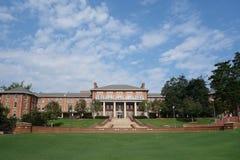 RALEIGH, NC/USA - 8-14-2018: Campus universitario dello stato di NC nella parte anteriore Fotografie Stock Libere da Diritti