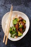 Ralentissez le boeuf cuit avec du riz et le brocoli Image stock