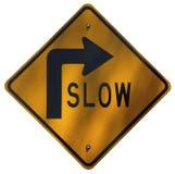 Ralentissez - les courbes de route bien Image stock