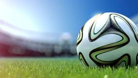 Rallenti la macchina fotografica dello spostamento a pallone da calcio in erba Movimento lento 4k stock footage