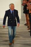 Ralph Lauren camina la pista en Ralph Lauren Spring 2016 durante semana de la moda de Nueva York Foto de archivo