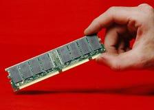 RAM dimm in der Hand Stockbild