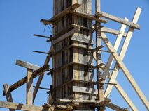 Ram för att hälla betong på en pelare royaltyfria foton