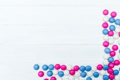 Ram från färgrika mintkaramellgodisar Fotografering för Bildbyråer