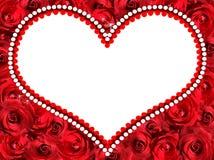 Ram i form av en hjärta av röda rosor arkivbilder