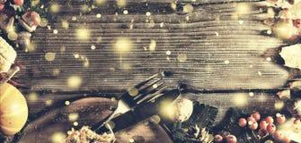 Ram med säsongsbetonade ingredienser i tacksägelsedag den blåa julen inramniner magi Arkivbild