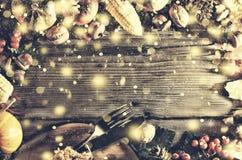 Ram med säsongsbetonade ingredienser i tacksägelsedag den blåa julen inramniner magi Arkivfoton