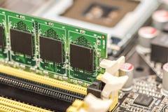 RAM Module Install lizenzfreie stockfotos