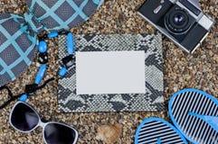 Ram och saker för ferier på stranden Royaltyfri Bild